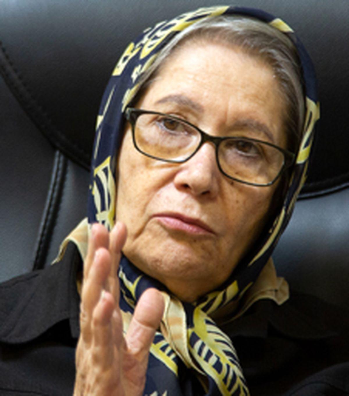 دکتر مینو محرز صبح امروز واکسن ایرانی تزریق کرد