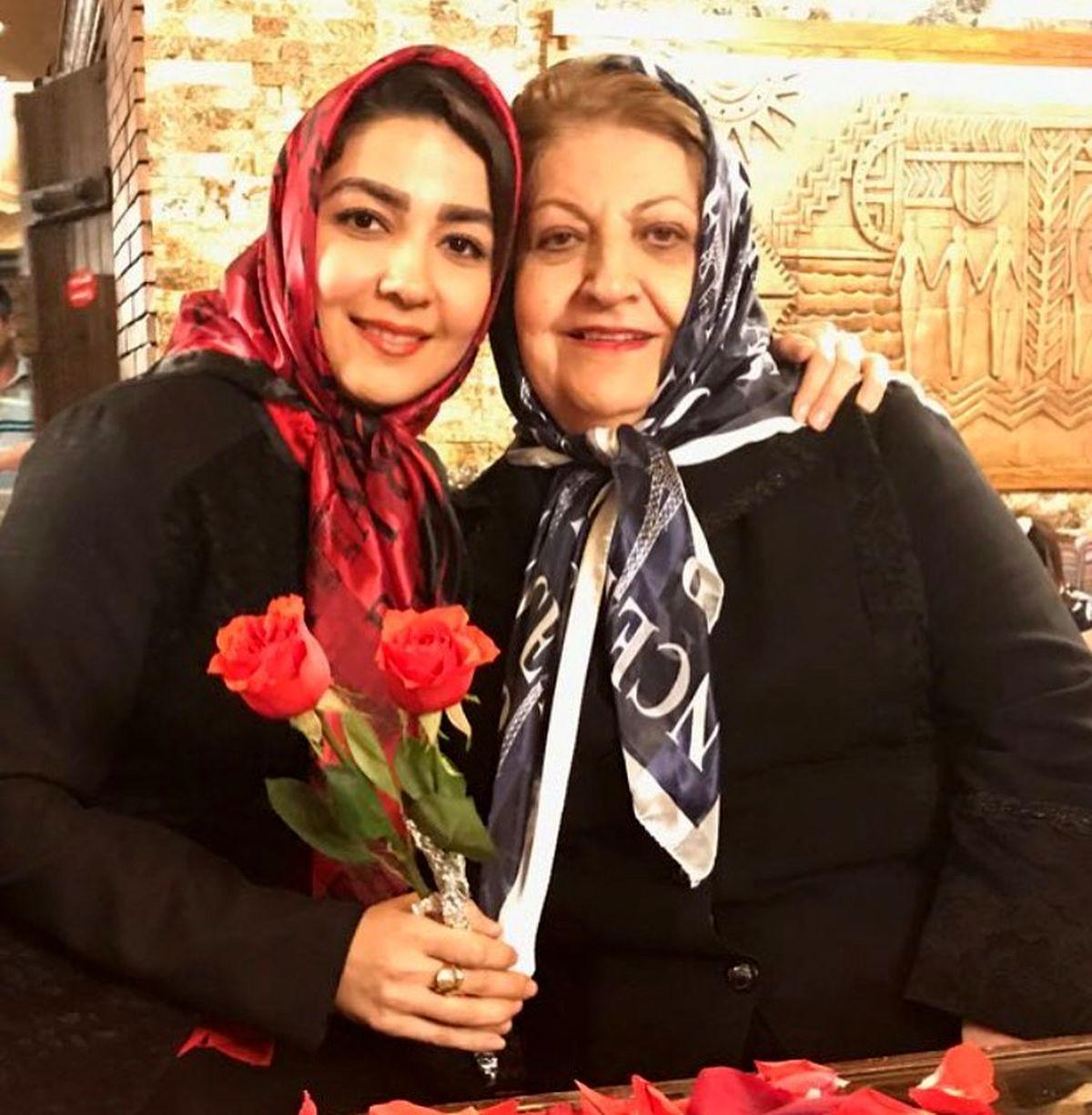 سارا صوفیانی : دردونه مامان و باباش