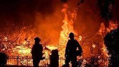 اسلحه کشیدن مردم به روی آتش نشانان