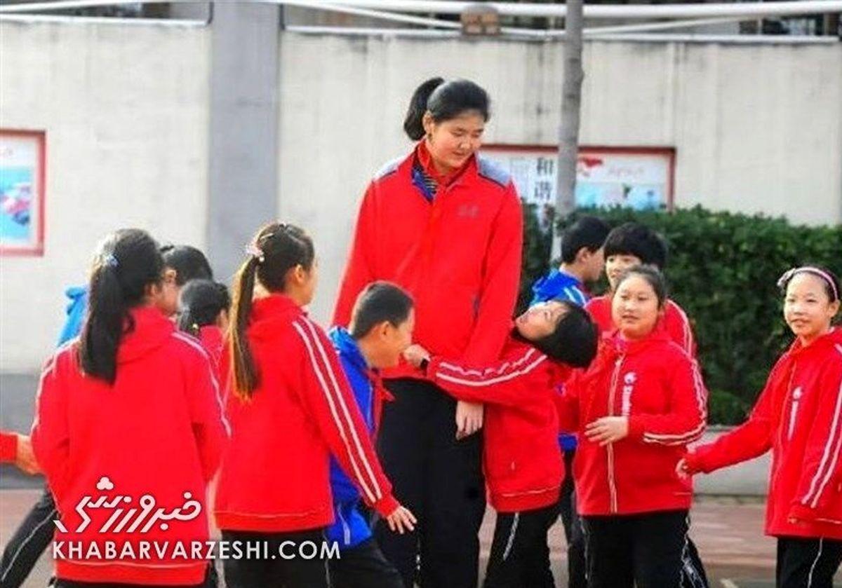 قامت عجیب دختر ورزشکار چینی همه را شوکه کرد+ عکش
