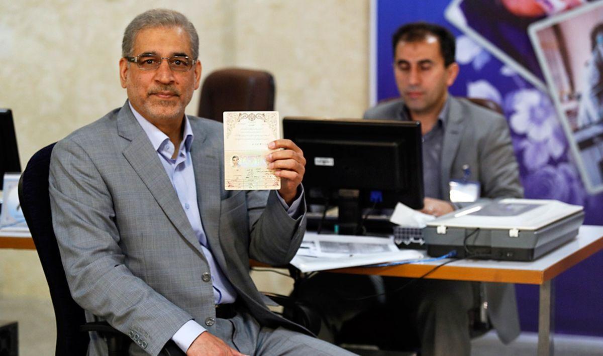 یک وزیر دیگر احمدینژاد اعلام کرد کاندیدای ریاست جمهوری میشود
