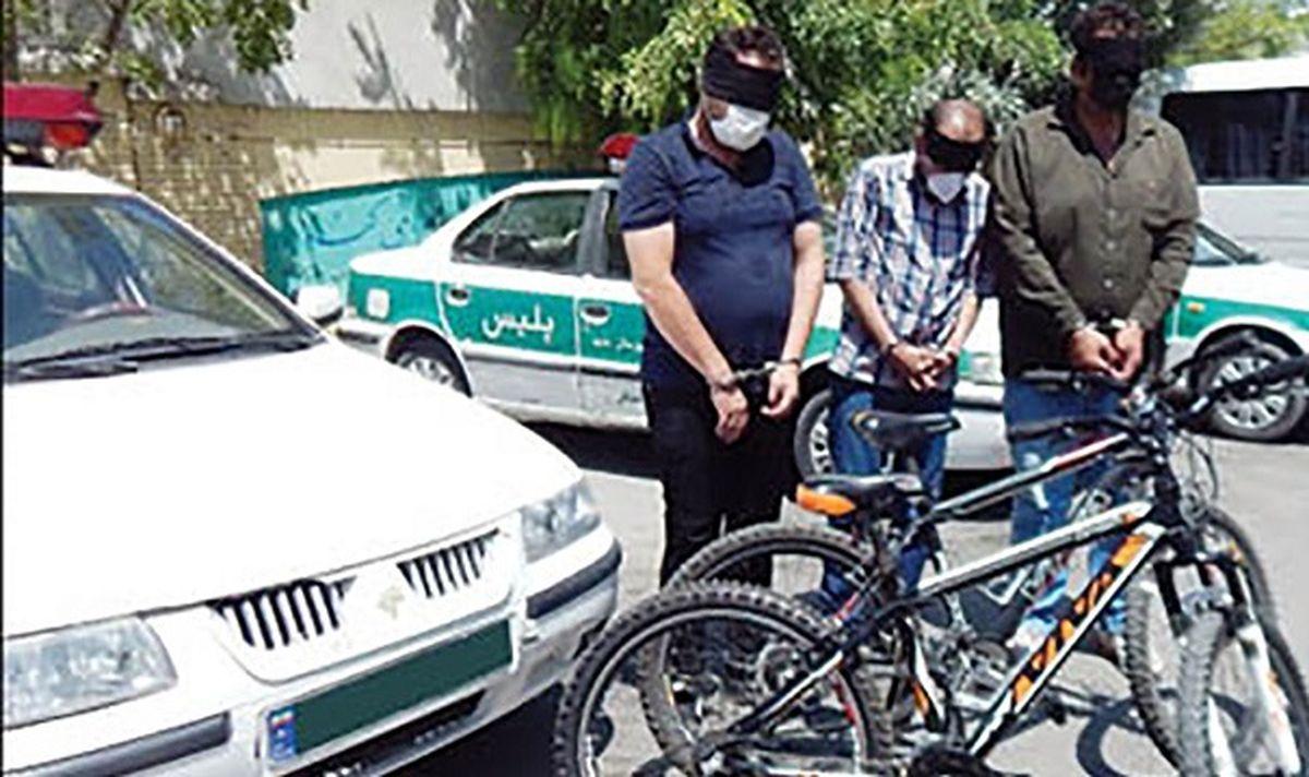 کار شیطانی ماموران آب در مشهد / آن ها به تنهایی به خانه زن ها می رفتند