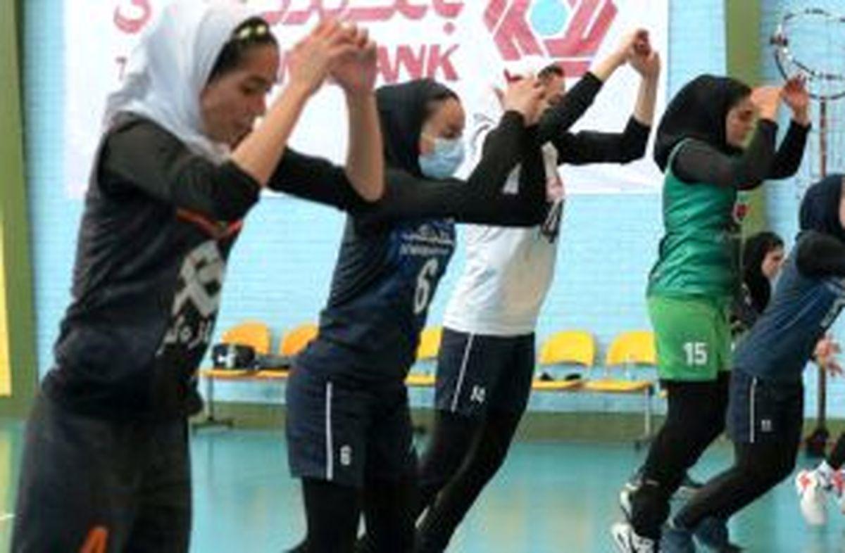 تصاویری عجیب از بازیکنان والیبال زنان ایران