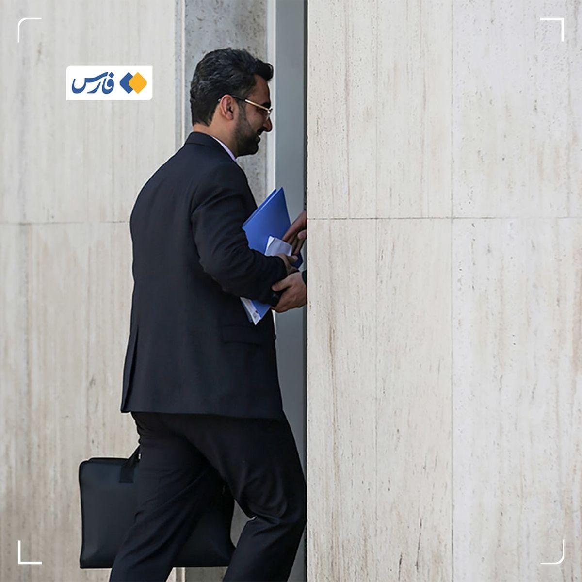 علت احضار آذری جهرمی به دادگاه چه بود؟