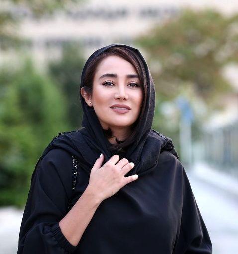 تغییر ظاهری عجیب بهاره افشاری با کلاه ملکه ای سیاه + عکس