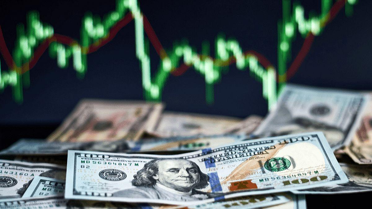 قیمت دلار امروز 17 اسفند 99 / ادامه ریزش قیمت دلار + جدول