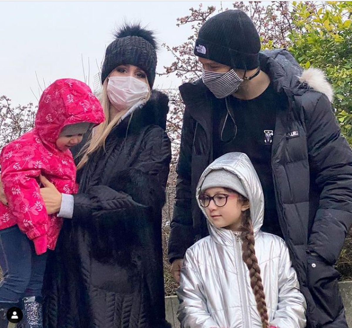 عکس خانوادگی شاهرخ استخری در تولد پدرش