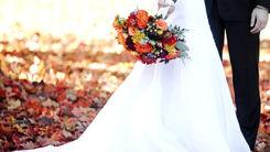 سیاه پوش شدن عروس جوان در شب عروسی